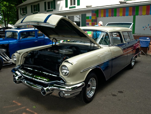 Pontiac Chieftain Station Wagon 1956