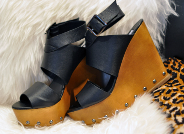 wooden wedges, steve madden shoes, sandals with tights, wedges, DSC_0125