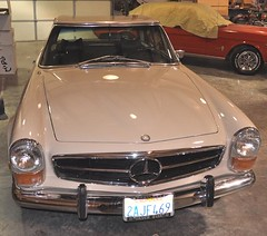 "1971 Mercedes SL 280 Pagoda • <a style=""font-size:0.8em;"" href=""http://www.flickr.com/photos/85572005@N00/5436197791/"" target=""_blank"">View on Flickr</a>"