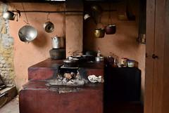 Casa brasileira (Márcia Valle) Tags: minasgerais estradadomatonegro interior roça mg márciavalle nikon d5100 home comidamineira cozinha cooking panelas fogão retratosdeminas comida food casabrasileira fogãoalenha