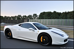 Ferrari 458 Italia (ThomvdN) Tags: sunset white black yellow nikon highway italia thenetherlands automotive ferrari thom bella scuderia supercar tracking vr maranello 18105 458 d5000 150kmh thomvdn