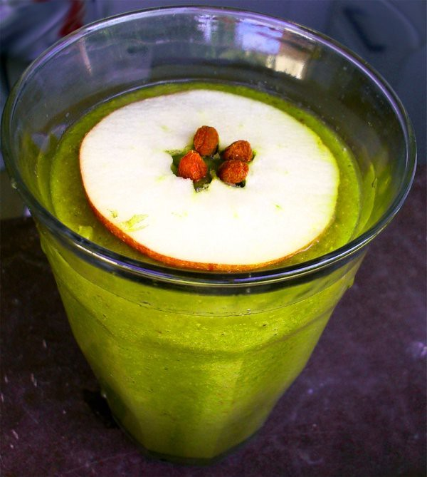 Äppel-päron-selleri-smoothie