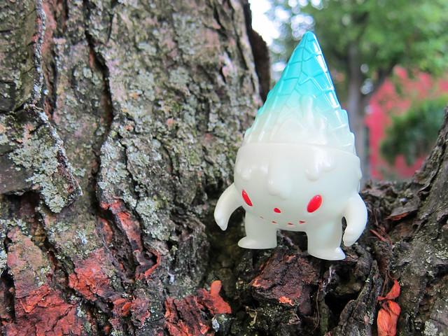 Milton haunting a tree