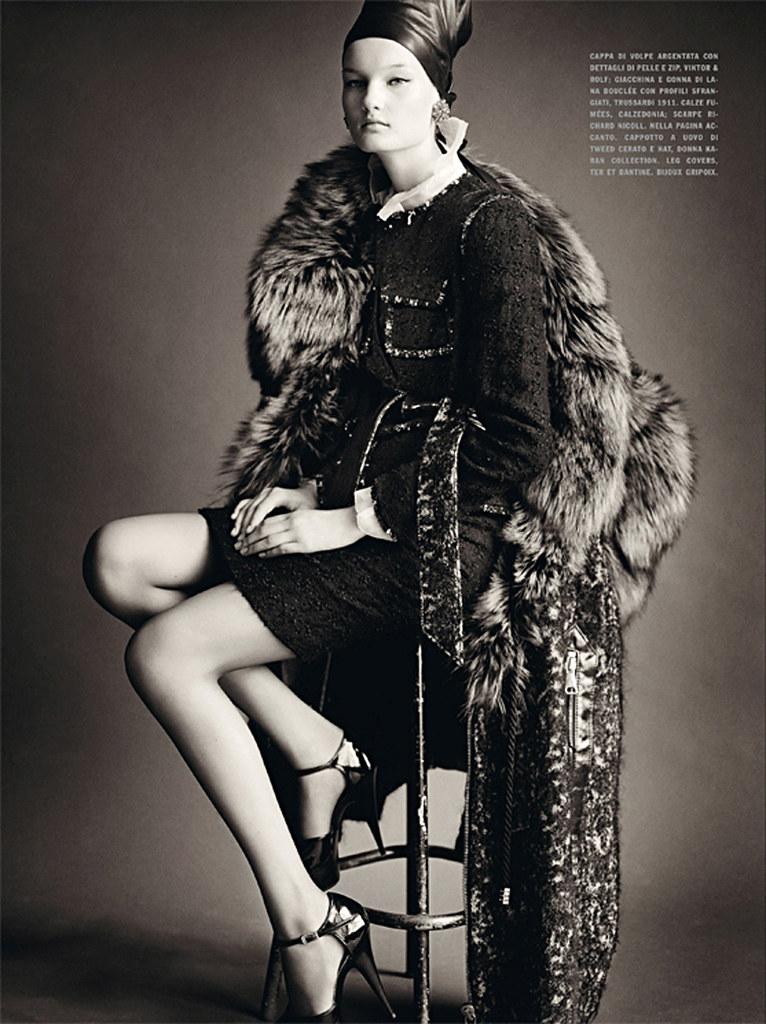 Kirsi Pyrhonen by Paolo Roversi (Sensational - Vogue Italia July 2010) 2