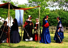 Tudor Life at Kentwell Hall 1538, July 2010, Suffolk, England (Niko S90) Tags: costumes longmelford england house history canon hall costume suffolk tudor historic historical recreation moat reenactment kentwellhall 16thcentury livinghistory vh historicalreenactment kentwell tudors 1538 historiccostumes tudorrecreation tudortimes historicalreenactments historicalrecreation tudorreenactment tudorlife tudorliferecreation tudorcostumes tudorhistory lifeintudortimes tudorlifeatkentwellhall historicallife kentwell2010