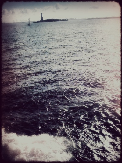 4780762640 43ff8f40e3 o Im on a boat