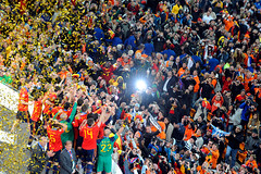 World Cup 2010 South Africa: Spain v Netherlands (toksuede) Tags: world africa holland cup sports netherlands sport del foot la football spain nikon fussball soccer south du weltmeisterschaft espana di deporte monde futbol coupe mundo copa futebol d3 oranje 2010 calcio