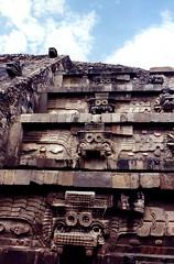 Tlaloc (jbilohaku) Tags: mxico ruins pyramid teotihuacan ruina ruinas pirmide piramide azteca edomex piramido estadodemxico ruino