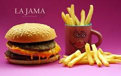015_LA JAMA (o la COMIDA,como se dice ac) (JESSENIA VLEZ BONILLAPHOTOGRAPHY) Tags: ecuador queso hamburguesa carne manta tacita papasfritas bonilla papitas sudamrica jarrito manab jessenia vlez derretido ajonjol mialmuerzo