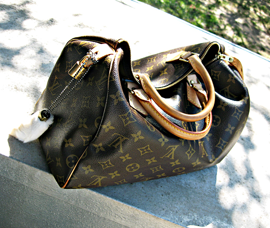 louis vuitton medium speedy with rabbits foot