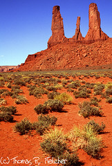 Monument Valley, Navajo Tribal Park (travelphotographer2003) Tags: arizona usa navajoland redrock monumentvalley reservation rockformation navajotribalpark nativeamericanland naturesgreenpeace thomasrfletcher threesistersformation