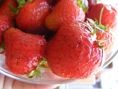Bowl-of-Strawberry_72935-480x360