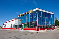 McDonald's Playplace (ezeiza) Tags: food playground sign restaurant golden colorado fastfood fast indoor arches mcdonalds drivethru drivethrough goldenarches indoorplayground fruita playplace