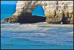 35 - 15 juillet 2010 Etretat (melina1965) Tags: sea mer water nikon eau waves july wave normandie vague vagues juillet tretat 2010 seinemaritime hautenormandie d80 photoscape checkoutmynewpics