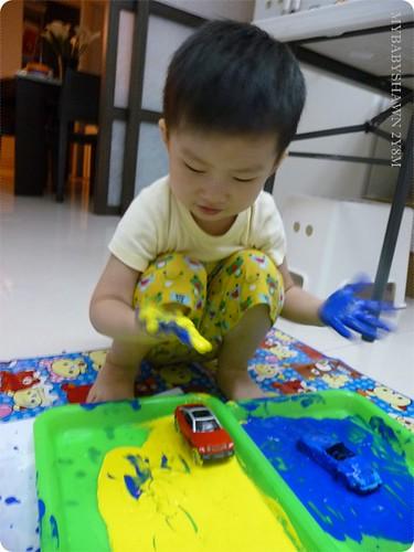 2Y8M第一次在家「玩」水彩 (3)