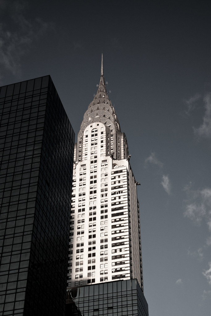 Chrysler Building [EOS 5DMK2 | EF 24-105L@45mm | 1/3200 | f/4 | ISO800]