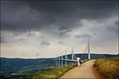le viaduc de millau (heavenuphere) Tags: bridge france river landscape viaduct tarn 1022mm leviaducdemillau millau viaduc aveyron midipyrénées