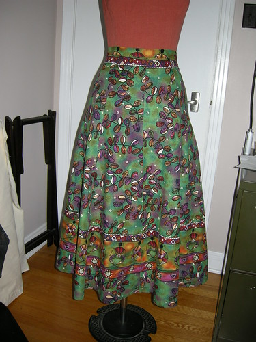 how to make a swing skirt with a boarder print