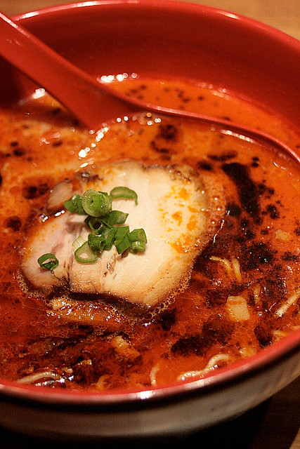 TAO Aka (Red) - Thin curly noodles in a tonkotsu soup blended with fish stock and spicy miso paste. Also has Bara Chashu (pork belly), spring onions and garlic oil
