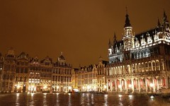 Grand' Place Bruxelles - Brussel Grote Markt - Brussels (Sir Francis Canker Photography ) Tags: christmas plaza xmas longexposure trip travel brussels heritage history tourism monument architecture night square francis noche jones grande exposure european place shot belgium belgique belgie nacht monumento capital picture bruxelles grand landmark visit noel tourist best unesco gran bruselas capitale visiting markt ever brussel nuit belgica notte waffle guild flanders europea grote belgien manneken belgio wallon lucena wallonie vlaams flandria vlaanderen europeene arenzano flandes gaufre    janeken valonia sirfranciscankerjones  tz10  pacocabezalopez
