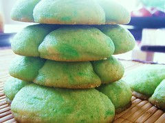 green shamrock sugar cookies - 85