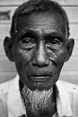 if things were perfect (-spacegoat-) Tags: portrait blackandwhite bw indonesia expression homeless stranger jakarta oldpeople facescape