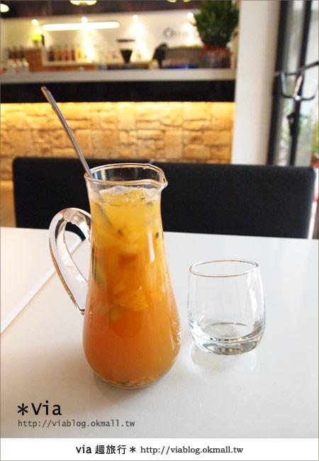 【台北東區美食】時尚午茶首選~Chin Chin Cafe蜜糖吐司13