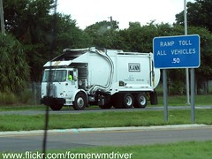 KANN MFG. CORP (In use by Advanced Disposal) Autocar WX / KANN FEL - Demostrator Model (FormerWMDriver) Tags: trash truck demo garbage disposal front corporation collection commercial rubbish end fl waste refuse loader load sanitation advanced unit fel frontloader demonstrator manufacturing kann frontload