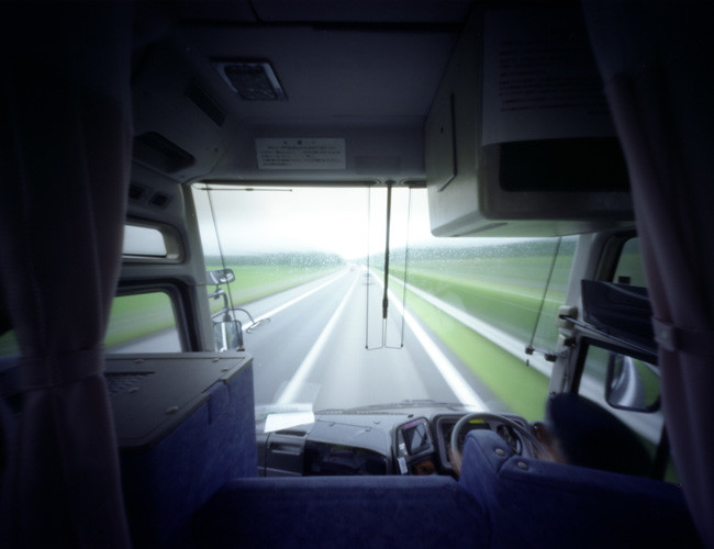 High-Way bus 高速バスから針穴