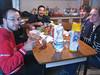foto di gruppo al tavolo