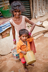 Life in a Tin House: At the Ejipura Slums (Sriram Vittalamurthy) Tags: india children bangalore karnataka slums urbanpoor koramangala bengaluru ejipura