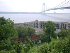 P1000406 (super-post-modern) Tags: newyorkcity statenisland verrazanonarrowsbridge fortwadsworth
