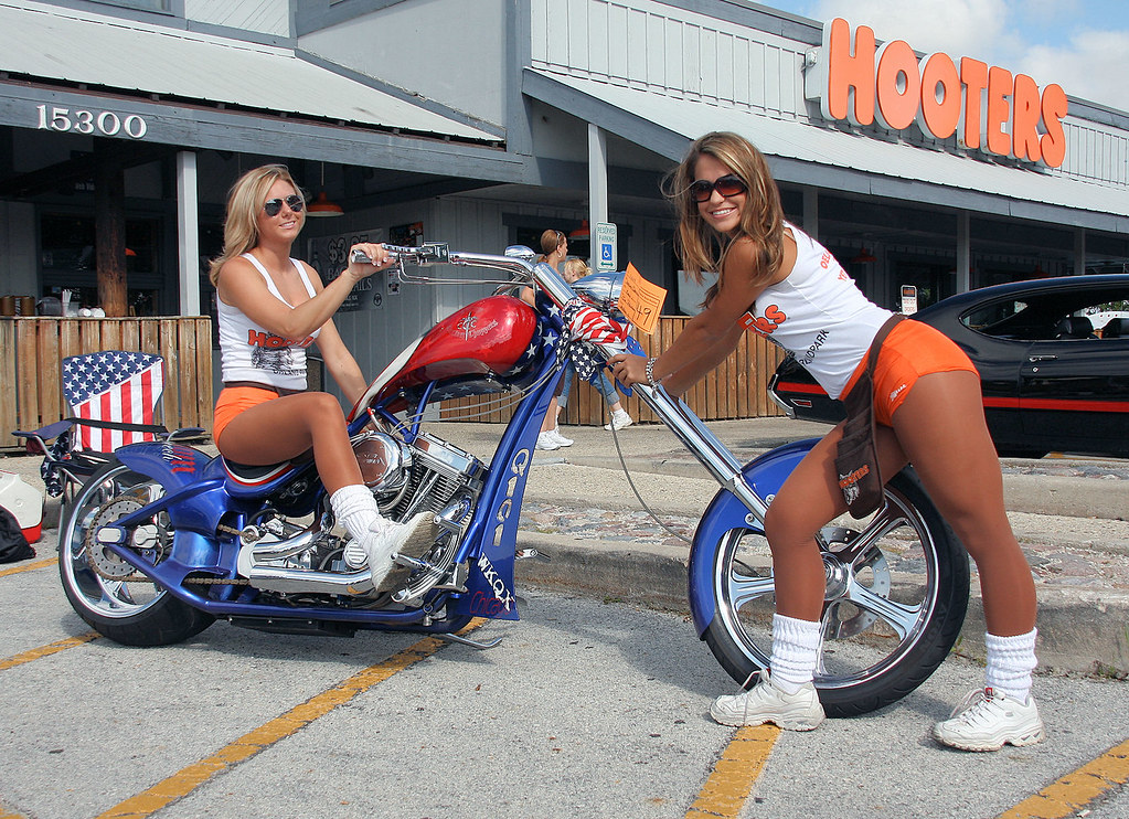 Hooters Car Show Orland Park