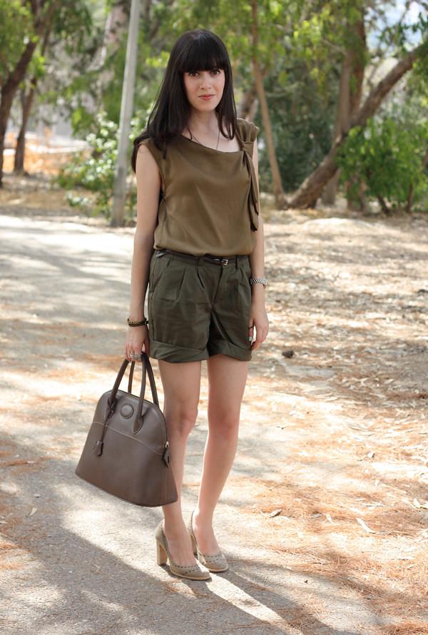 green_shorts1