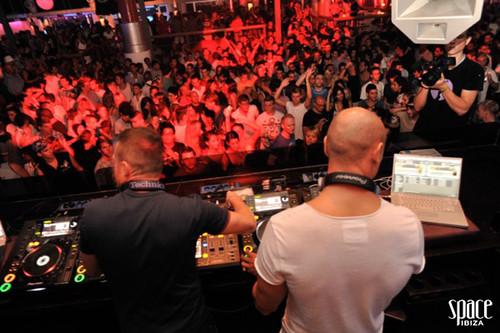 DJ Iban Reus and Rad Damon aka KODIAK @Space Ibiza Opening 2011 4931855830_e4e1e1b718