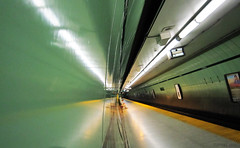 Green Sub tube (dzpixel) Tags: voyage city summer sky toronto ontario canada colors lines station architecture canon subway lights vacances town vanishingpoint flickr king darkness sam metro mtl quebec perspective august monde t v