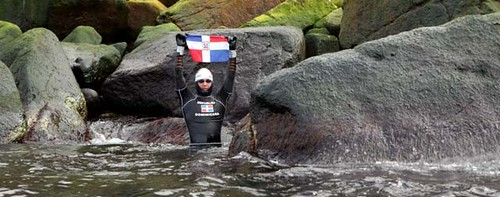 Marcos Díaz completa su nado por los continentes