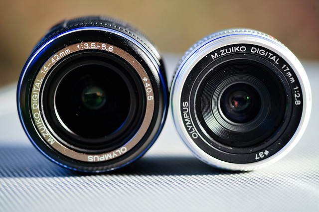 Olympus E-P1 Twin lens kit 17mm f/2.8, 14-42mm f/3.5-5.6