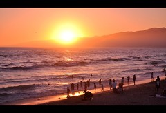 Life is a Beach (Surrealplaces) Tags: ocean sunset beach losangeles pacific santamonica playa plage lido