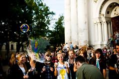 Bubble the City! #16 (A. Aleksandraviius) Tags: city 35mm nikon bubbles bubble lithuania kaunas lietuva d90 bubbleday nikkor35mm nikond90 renginiai burbulai laimikislt 35mmf18g afsdxnikkor35mmf18g nikon35mm18g burbuliatorius bubblethecity burbuliatorius2010 burbuliatorius16