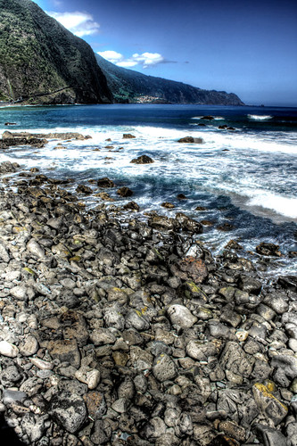 Stones and sea. Madeira. Piedras y mar