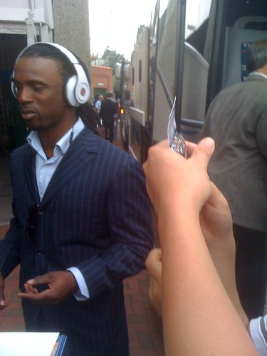 Cutch: Singin' autographs and groovin' to tunes.