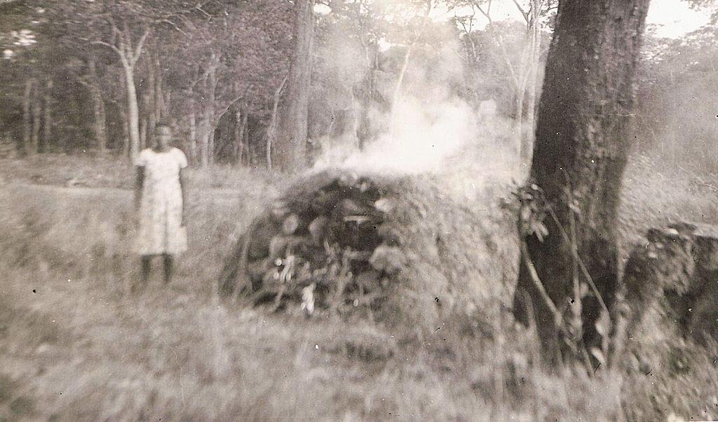 Zambia 1956 Making charcoal