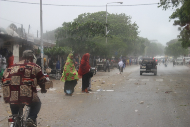 sauti za busara, storm, kids with water 073.jpgedit