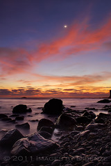 Moonlight Kisses (Didenze) Tags: longexposure light sunset moon seascape clouds rocks soft glow danapoint canon450d didenze