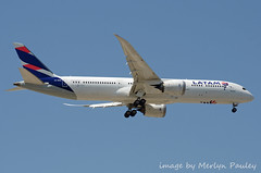 Latam 787 cc-bge (merlyn.pauley) Tags: madrid madridbarajasairport airport spain boeing dreamliner latam 787 ccbge