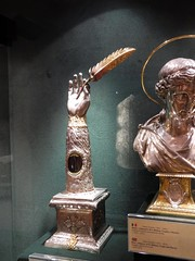 Arm Reliquary of St. Luke (Nemoleon) Tags: santamariamaggiore june 2017 20170620083 reliquaries luketheevangelist