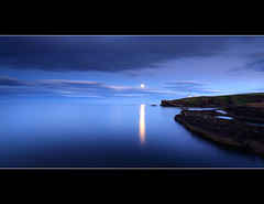 Moonrise Todhead (angus clyne) Tags: pink blue sea summer sky cliff cloud dog lighthouse mountain home rock night canon reeds dark lens scotland boat moving pond weeds long exposure ship aberdeenshire angle harbour angus dusk hill north wide deep scottish calm east moonrise lilly hour late finn setting beech scotish gloaming clyne todhead colorphotoaward 5dmarkii