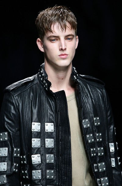 James Smith3111_SS11_Milan_Burberry Prorsum(daylife)