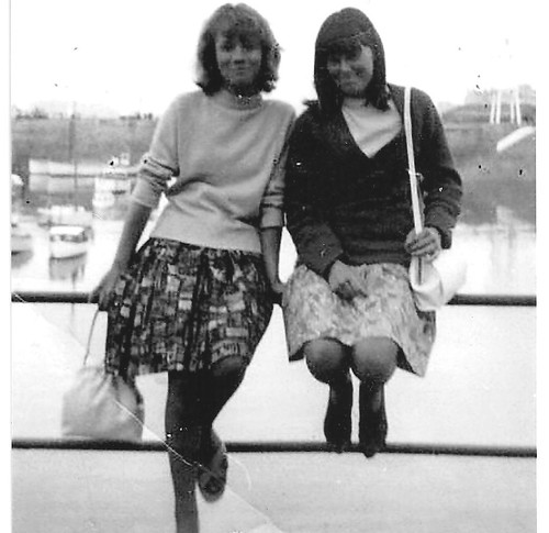 Cheryl De Carteret and Diane Wood 1964